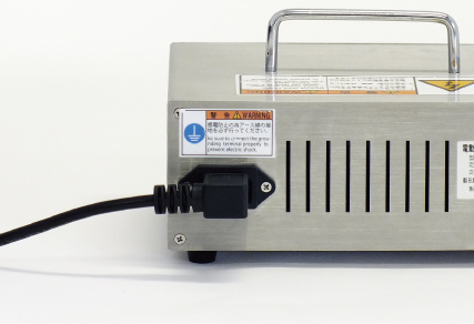 全球通用的内置适配器,支持100V到240V使用。