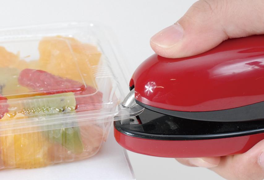 手把的先端为弧形齿坐,使用者可以清楚地看到接合点。